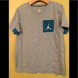 Jordan Boys Short Sleeve Grey & Blue Tee Shirt M